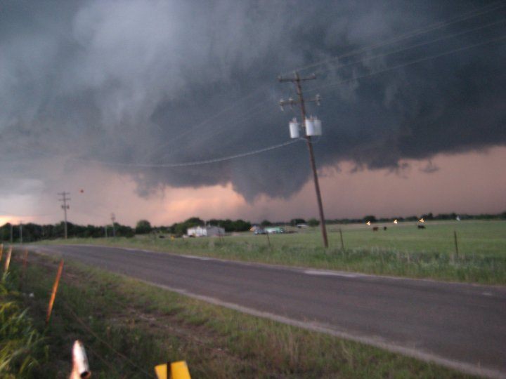 Violent funnel cloud near Pauls Valley, OK